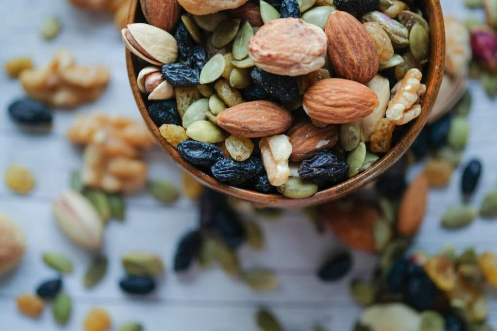 How does eating dried fruits influence learning?